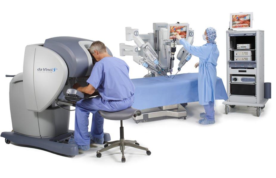 Робот хирург уже реален