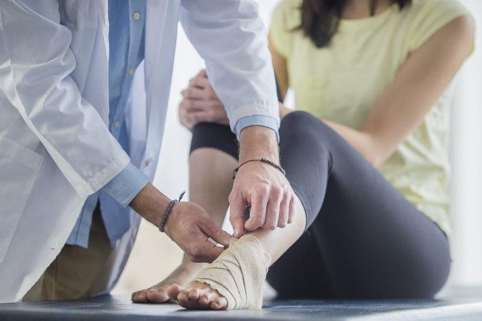 Как лечить надрыв связок голеностопного сустава