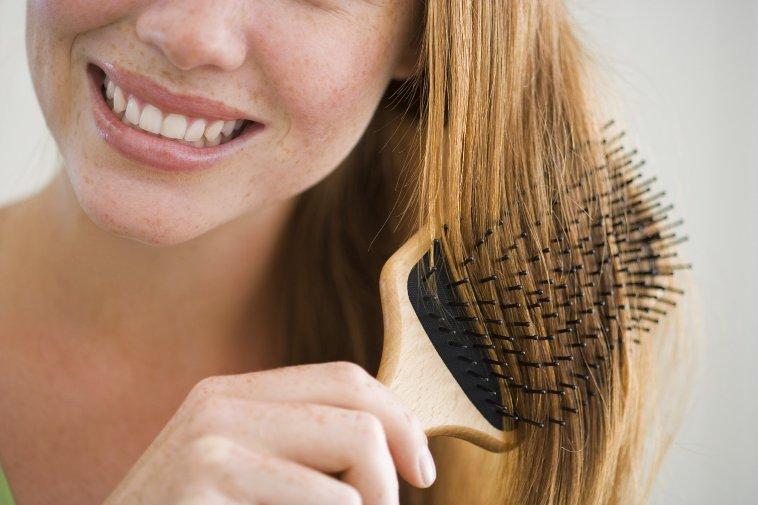 Приметы о шпильке для волос, заколке, расческе - к чему потерять, найти, сломать