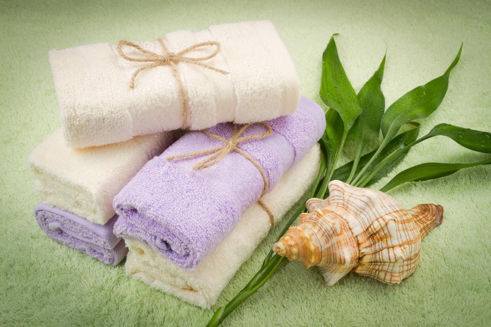 Полотенце в подарок — можно ли преподносить этот дар