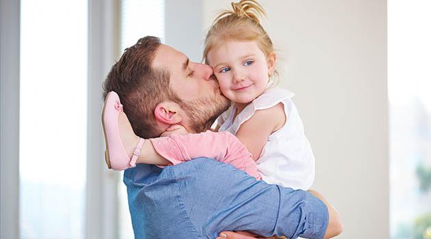 Если дочь похожа на отца: приметы, признаки и мнения