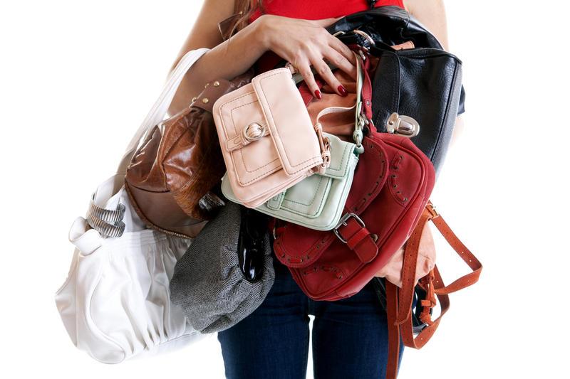 О чем может рассказать женская сумочка о своей хозяйке: приметы и суеверия