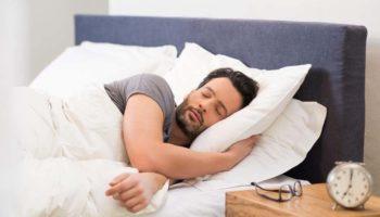 Почему нельзя спать на двух подушках