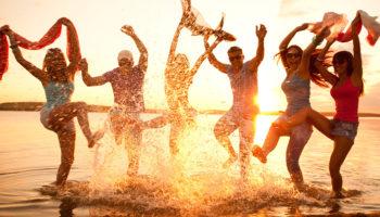 Самые «оторвы» среди знаков Зодиака: кому никогда не будет скучно в отпуске