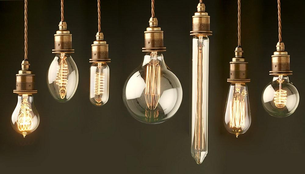 Внезапная темнота: о чем говорят приметы, если часто перегорают лампочки