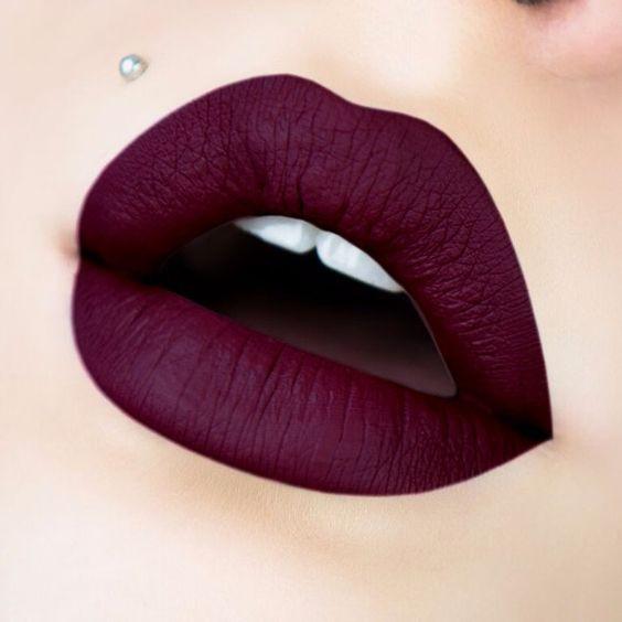Цвет губной помады для каждого знака Зодиака, который привлечет удачу в течение дня