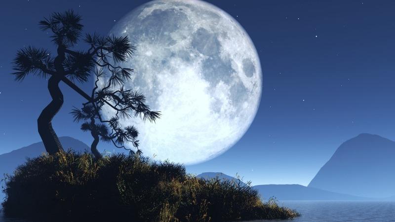 Почему нельзя смотреть на полную луну