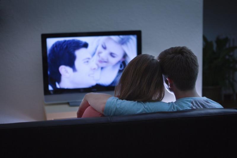 Телевизор и звезды: какие телепередачи интересны каждому знаку Зодиака