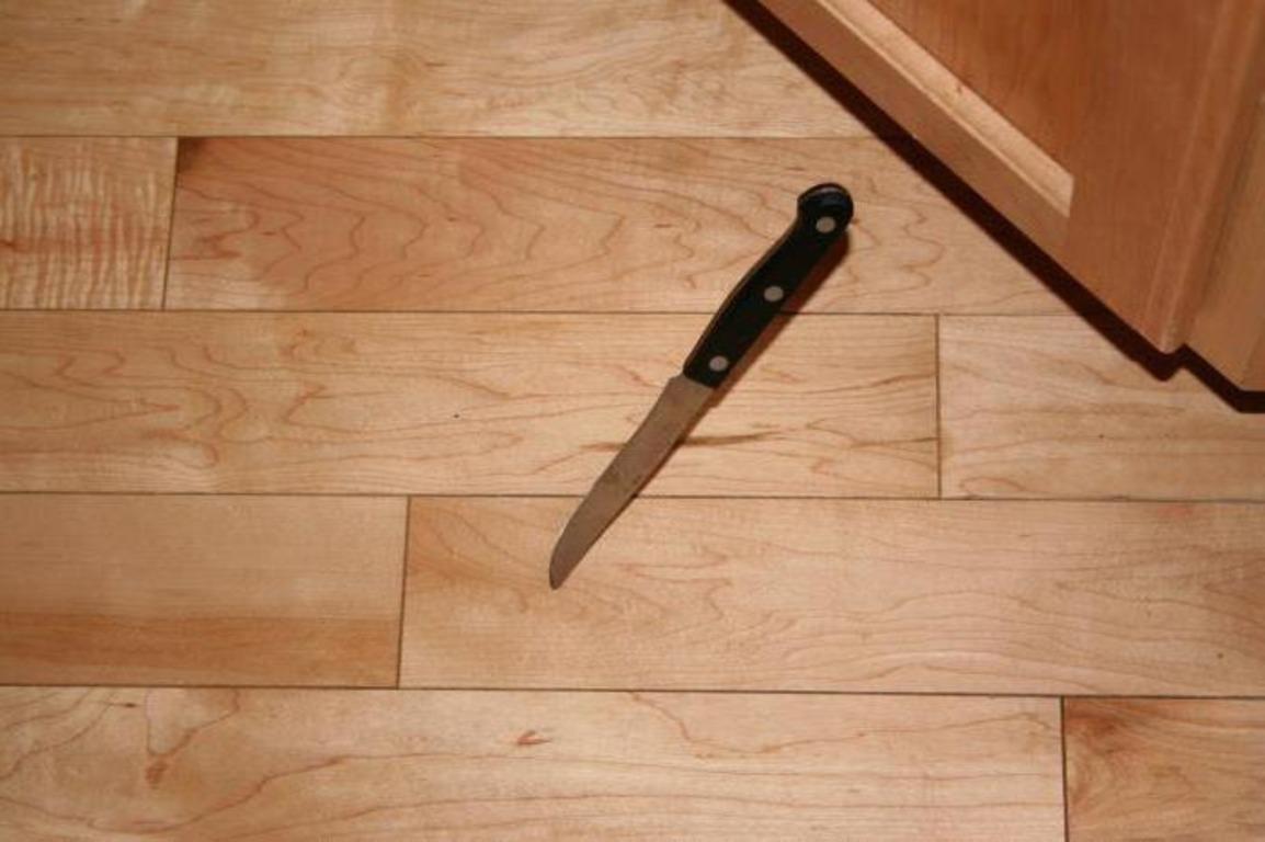 К чему уронить вилку, ложку или другую посуду