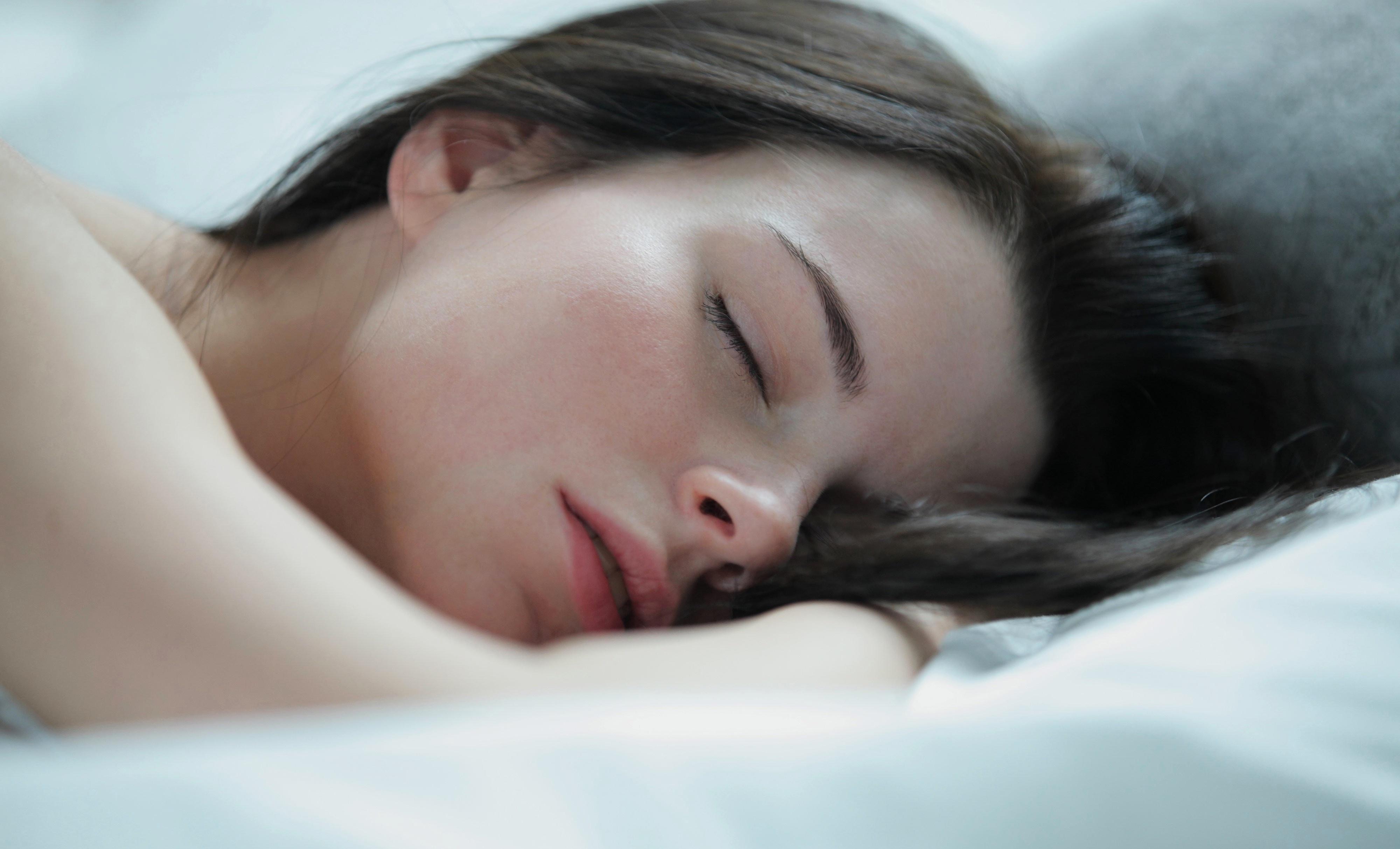 Почему по приметам нельзя ложиться спать на закате