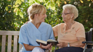 Почему дома престарелых хорошо?
